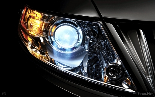 Headlight and Bulb Replacement